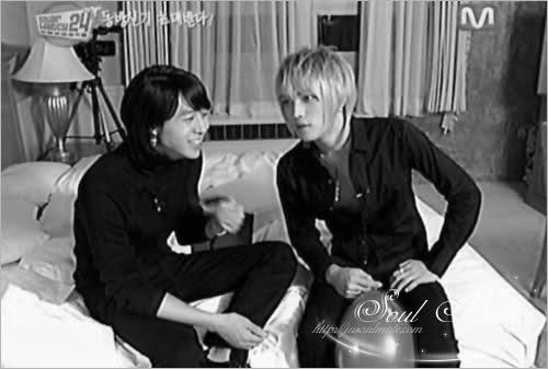 Bản thân uke rất thích tấm này, nhìn JaeJae oai như gì đâu á, đúng mẫu ông xã của Yoochun luôn ~~~~